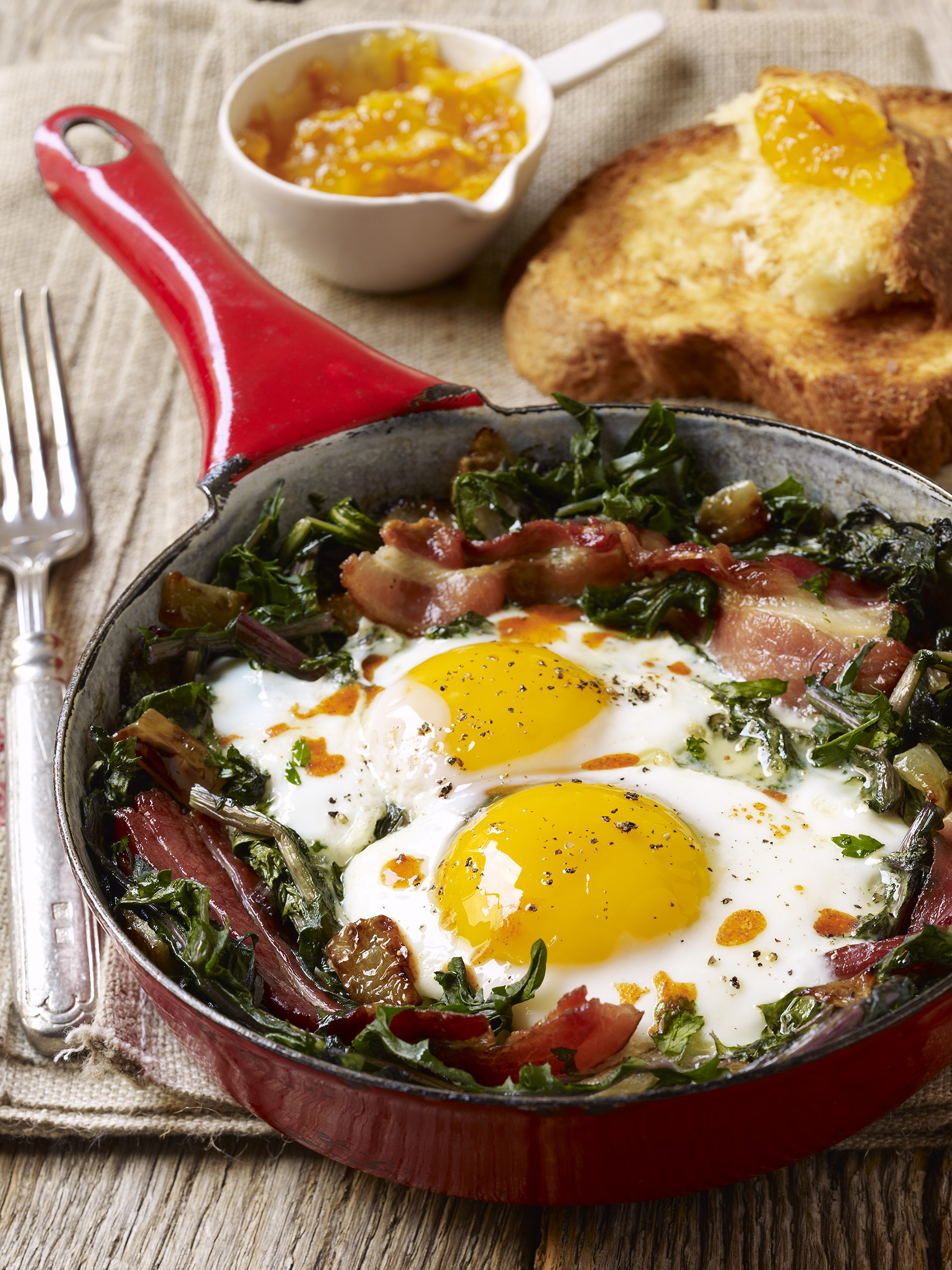 9_Eggs_DandelionGreens_Bacon_Skillet_18443